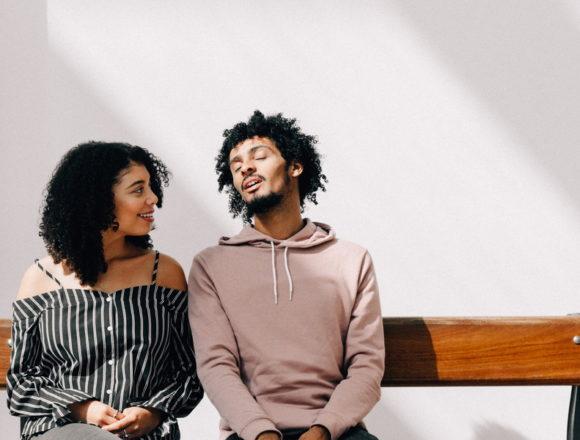会話が疲れる?恋愛で女性とリラックスして話す方法
