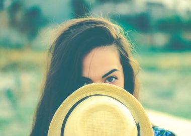 女性を恋愛心理学で分析!5つのしぐさと驚いた表情