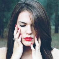 恋愛で嫉妬してしまう心理!自己価値を上げる2つの方法
